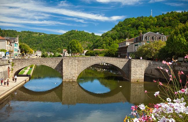 Le Pont des Consuls Villefranche-de-Rouergue (Вильфранш-де-Руэрг), Франция - путеводитель